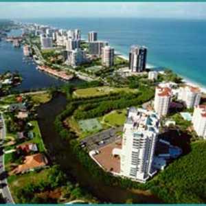 Naples Beach: Aerial view