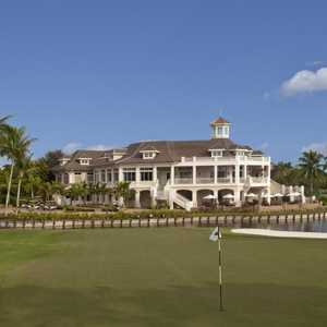 Bay Colony GC: Clubhouse