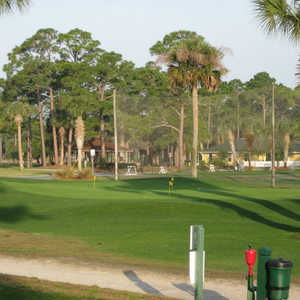 Hidden Lakes GC: chipping &amp; driving range