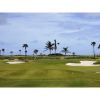 Palm Beach Par 3 Golf Course starts off with an 81-yard hole, but beware of the false front.