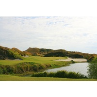 The sixth hole on the Red golf course at Streamsong is a 185-yard par 3.